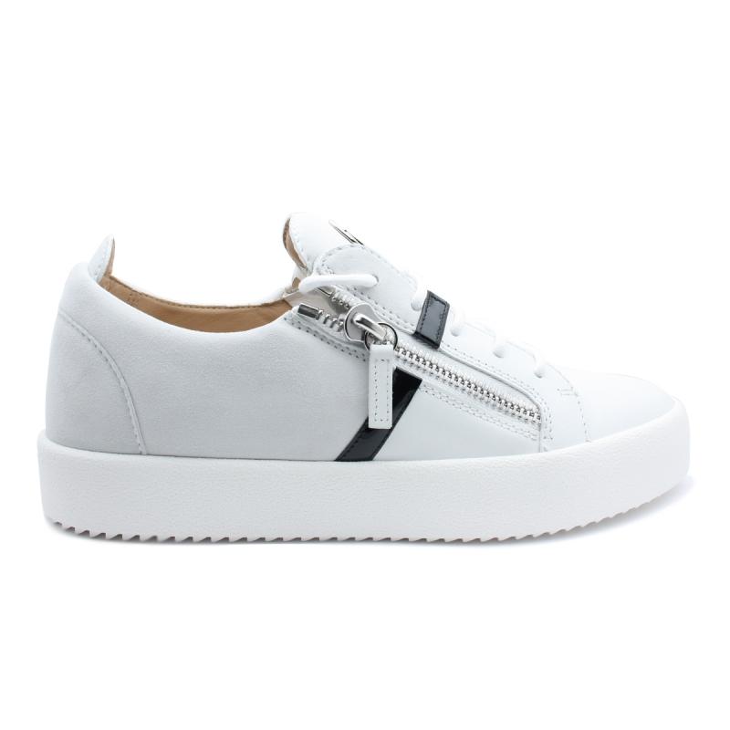 76b56c5943c9f Sneakers